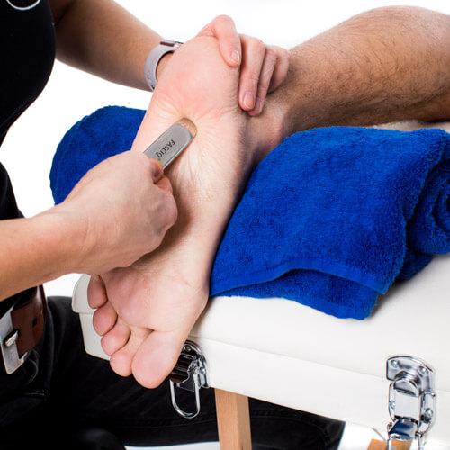 footmassage with iastm toolset (1)