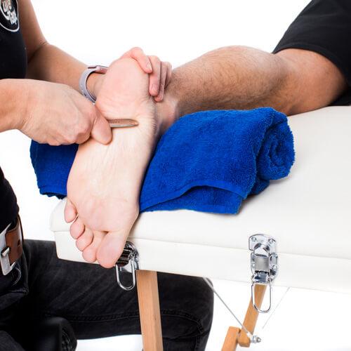 footmassage with iastm toolset (2)